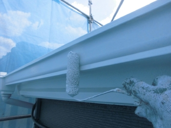 雨樋や軒先もしっかりと塗り替えを行います。