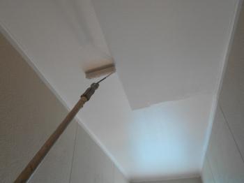 共用部天井なども、職人による妥協のない3回塗り施工がされております。