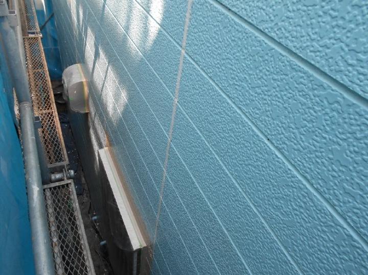 新しいシーリング材が充填されました。シーリングには外壁材の防水性と耐候性を高める重要な役割を持っています。