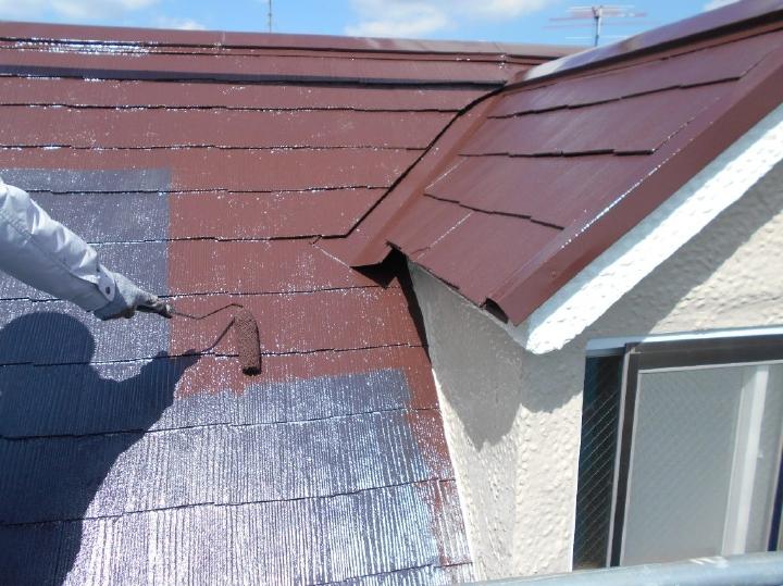 スーパーシャネツサーモSiは、特殊無機顔料による高い遮熱性と、色あせしにくく長期間美観を保つ高機能の屋根用シリコン樹脂塗料です。