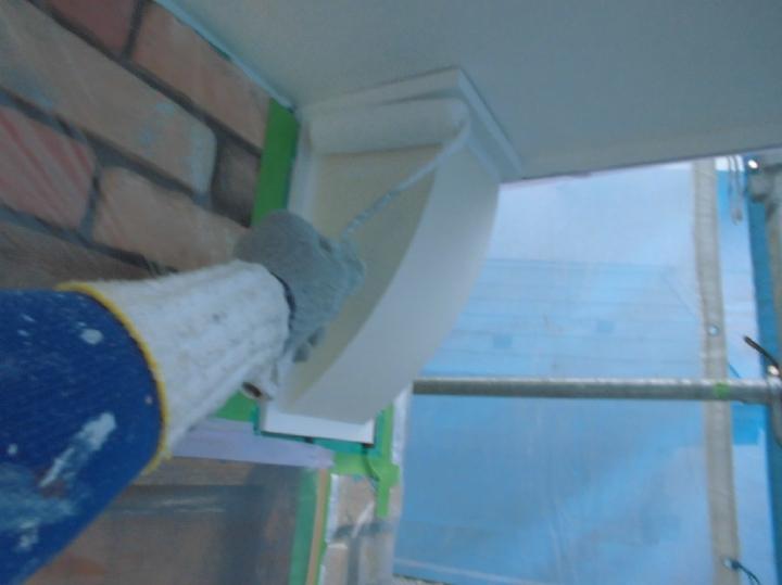 ダクトの鉄部部分も統一感のある色へと塗り替えられました。