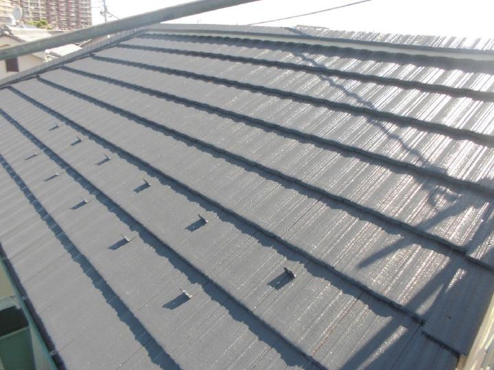 3回塗の工程が完了し、屋根の塗装も完了となります。