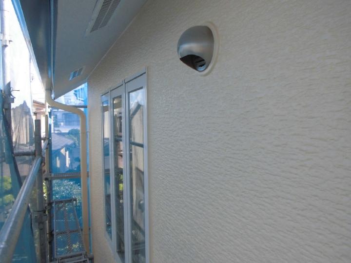 3回塗李にて新築のような外壁へと塗り替えられました。