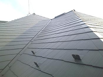 屋根もしっかりとていねいに塗装を行ったのできれいに仕上がりました。
