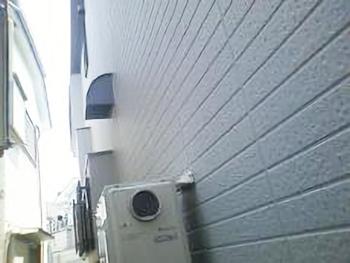外壁はシーリングの取り替えをしてから塗装したのでシーリングも保護されて長持ちするでしょう。