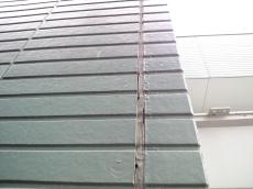 外壁シーリング部分が劣化し剥がれてきていました。