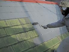 屋根下塗りの様子です。
