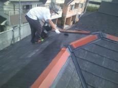屋根は弱溶剤タイプの遮熱塗装です。屋根の表面温度が夏は15℃~20℃下がるので2階の室温が少し緩和されるでしょう。